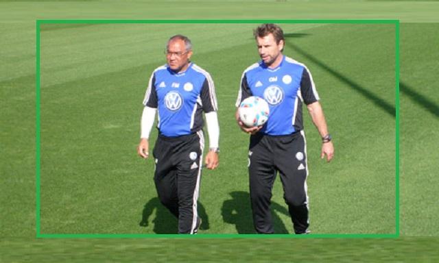 Bernd Hollerbach (rechts) - hier noch als Co-Trainer von Felix Magath beim VfL Wolfsburg.