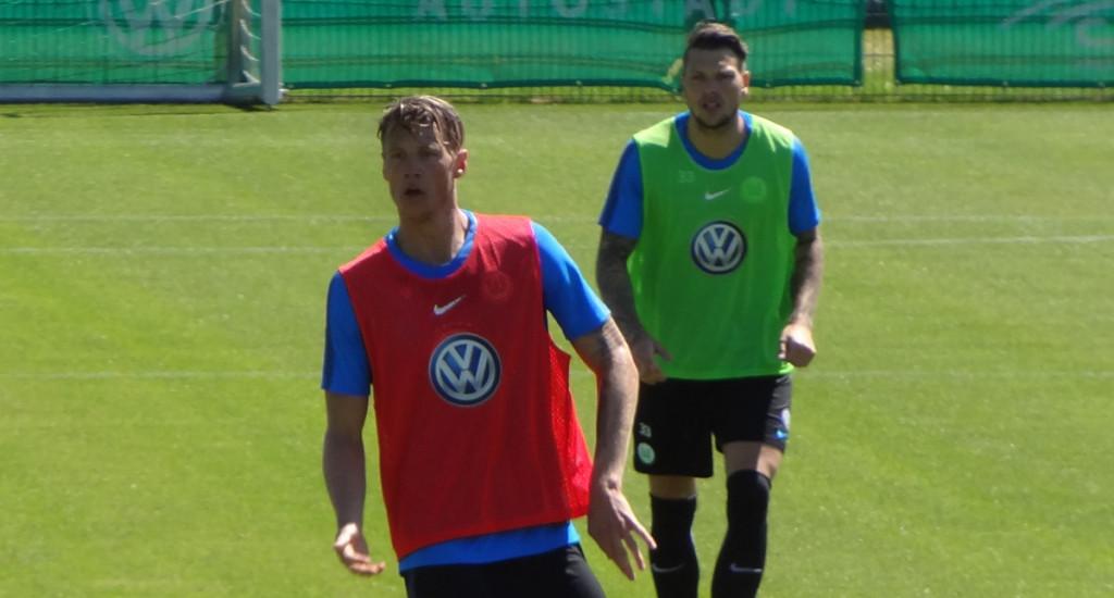 Wout Weghorst (l) und Daniel Ginczek.
