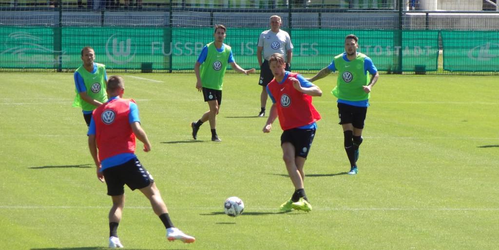 Training-Team-Weghorst-Ginczek