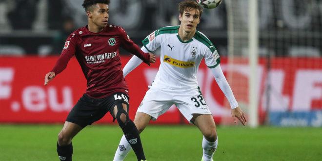 Wechselt Linton Maina von Hannover 96 zum VfL Wolfsburg? (Photo by Maja Hitij/Bongarts/Getty Images)
